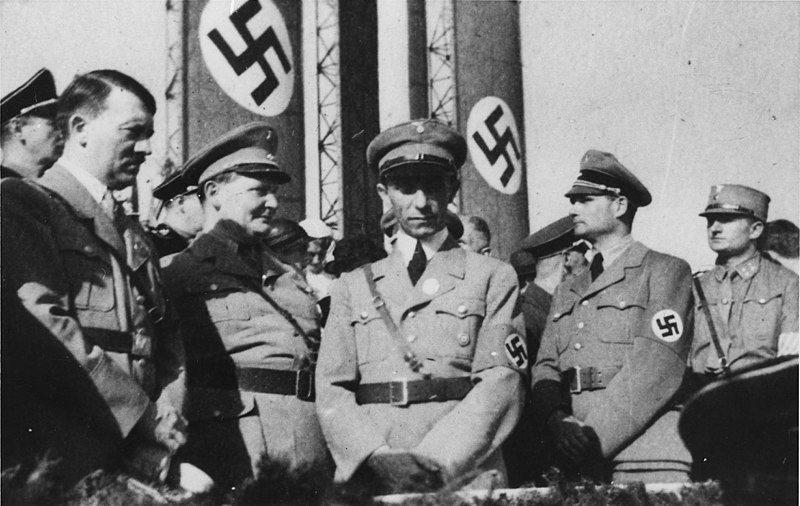 ¿Hitler inventó la muñeca sexual inflable?