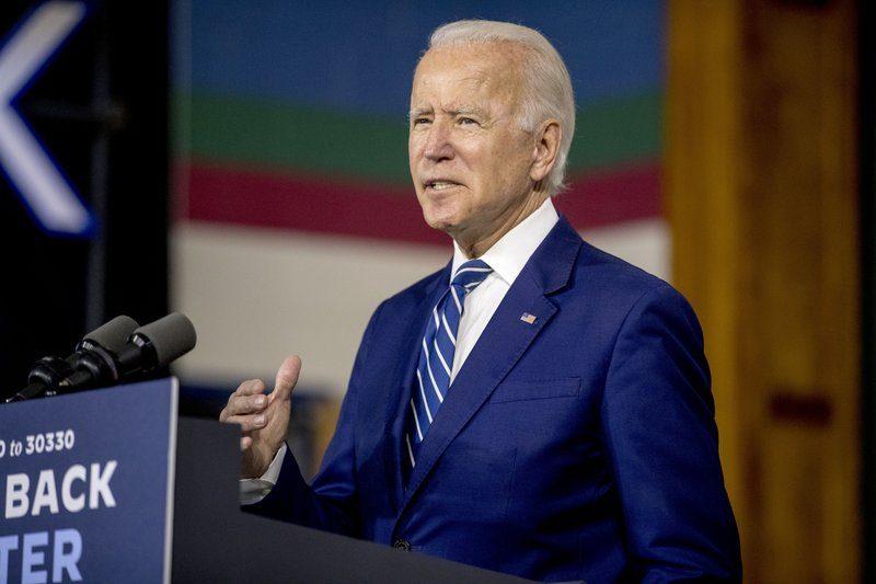 """Joe Biden llama a Trump el """"primer"""" presidente racista del país"""